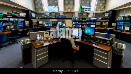 Batavia, Illinois, USA. 12th Aug, 2014. The accelerator complex is monitored from the Main Control Room at the U.S. - Stock Photo