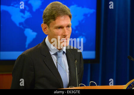 Assistant Secretary of State for Democracy, Human Rights and Labor Tom Malinowski delivers remarks at the Rollout - Stock Photo