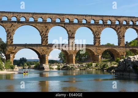 Pont du Gard, Roman aqueduct, UNESCO World Heritage Site, over the Gardon River, Vers-Pont-du-Gard, Département - Stock Photo