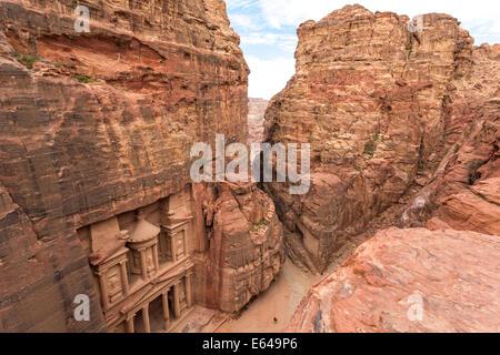 The Treasury, (El Khazneh), Petra, Jordan - Stock Photo