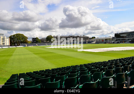Bristol, UK. 14th Aug, 2014. Monday August Bank Holiday 25th, Extra seating is being put up for large crowds expected - Stock Photo
