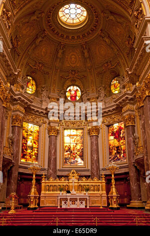 Berliner dom berlin cathedral interior view on altar for Innenraum design berlin