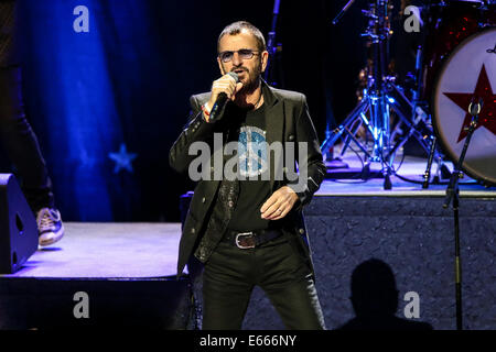 Durham, North Carolina, USA. 22nd June, 2014. Music Artist RINGO STARR brings his All Star Band 2014 Tour to the - Stock Photo