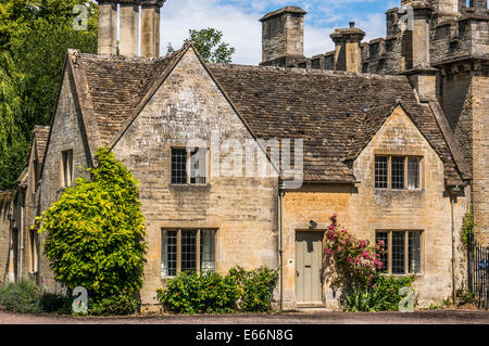 Beautiful Historic Period House Last On Cecily Hill Right At The Entrance To Cirencester