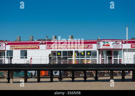 Britannia Pier, Great Yarmouth, Norfolk, England, UK. - Stock Photo