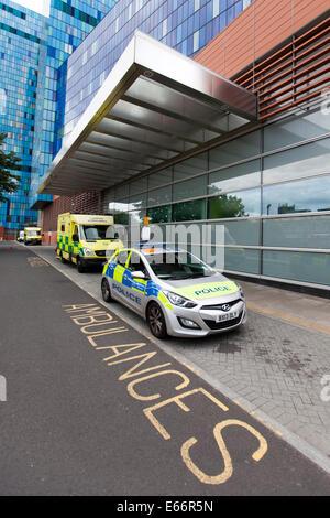 Whitechapel, UK. 16th Aug, 2014. The Royal London Hospital, Whitechapel, London, England, United Kingdom Credit: - Stock Photo