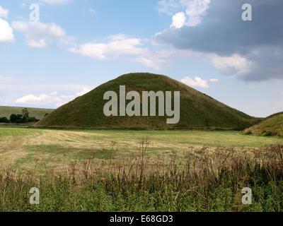 Silbury Hill, The largest man-made mound in Europe, Near Avebury, Wiltshire, UK - Stock Photo