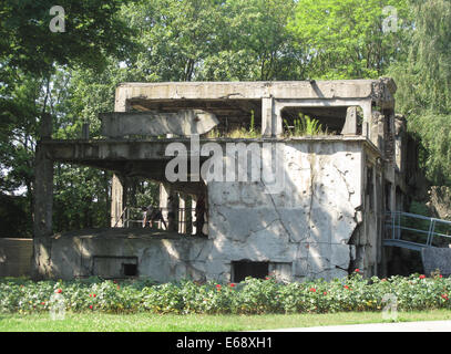 Gdansk, Poland. 29th July, 2014. A ruin is pictured on the Westerplatte peninsula near Gdansk, Poland, 29 July 2014. - Stock Photo