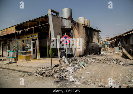 Makhmour, Northern Iraq. 18th Aug, 2014. A bakery has been burned down by ISIS militants in Makhmour. Makhmour is - Stock Photo