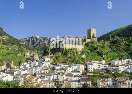 View of Cazorla with the Castillo de la Yedra, Cazorla, Jaén province, Andalucía, Spain - Stock Photo