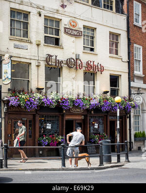 The Old Ship traditional English Pub exterior with flower baskets in Summer - Richmond upon Thames, Surrey, London, - Stock Photo
