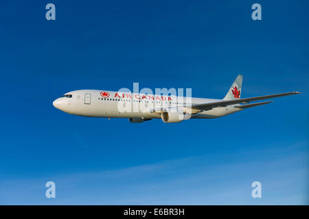 Air Canada Boeing 767-333 ER in flight - Stock Photo