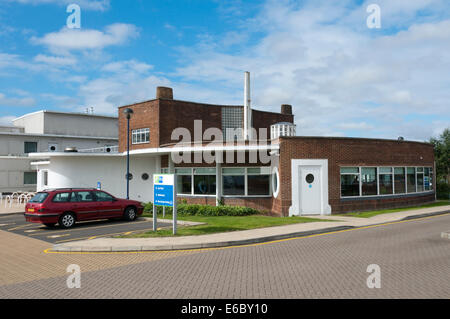 The 1930s modernist Prospect Inn public house at Minster, designed by Oliver Hill, is now a Holiday Inn Express. - Stock Photo