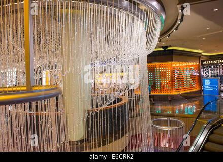Chandelier Bar at Cosmopolitan Hotel Casino and resort, City ...