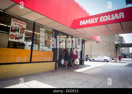 A Family Dollar store in the Bronx borough of New York - Stock Photo