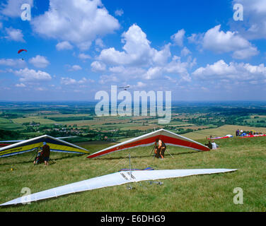 People hand gliding in Sussex UK - Stock Photo