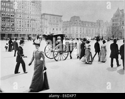 Crowd Scene, Fifth Avenue, Plaza at 58th Street, New York City, USA, 1898 - Stock Photo