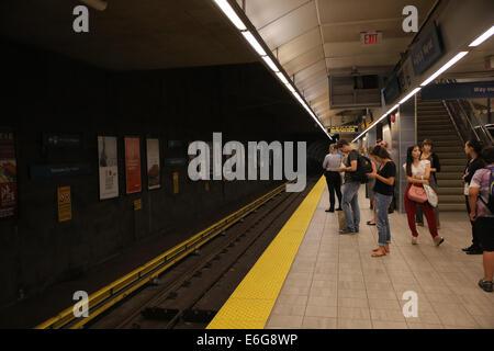 train platform vancouver skytrain - Stock Photo