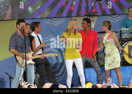 New York, New York, USA. 22nd Aug, 2014. Magic performs for The Good Morning America concert series in Central Park. - Stock Photo