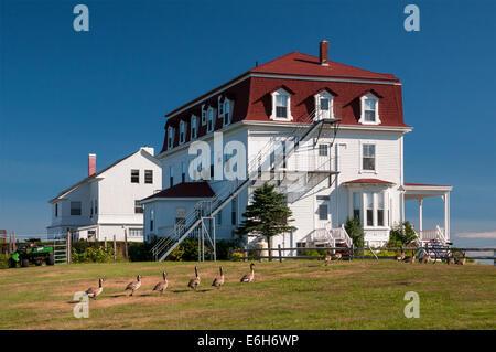 ... Spring House Annex On Block Island, Rhode Island   Stock Photo