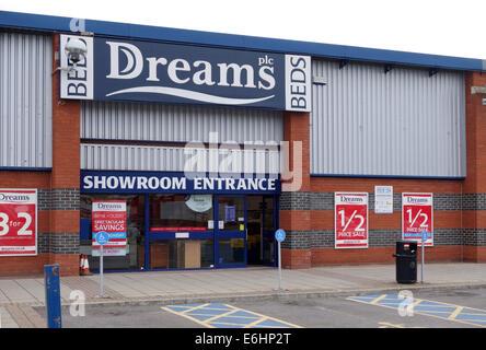 Dreams Beds, Trowbridge Retail Park, Wiltshire - Stock Photo