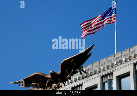 U S Eagle And Flag Above American Embassy In Grosvenor Square Mayfair London Stock
