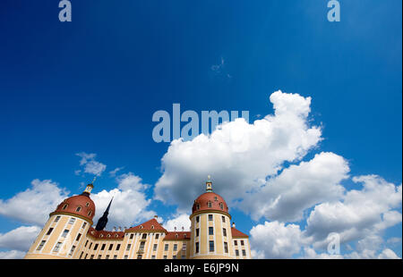 Moritzburg, Germany. 19th Aug, 2014. Clouds passby a bright blue sky above Moritzburg palace in Moritzburg, Germany, - Stock Photo