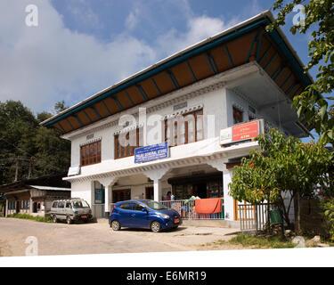 Eastern Bhutan, Trashigang, Kanglung lower market, Palas General Store= and bank of Bhutan ATM - Stock Photo