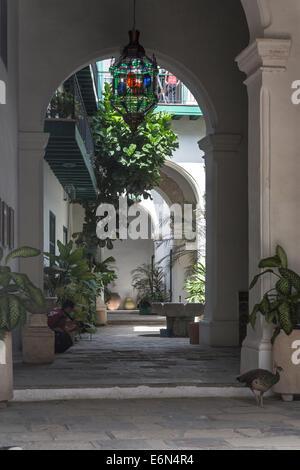 Cuba havana courtyard of the casa de los arabes in the for Casa mansion los jardines havana