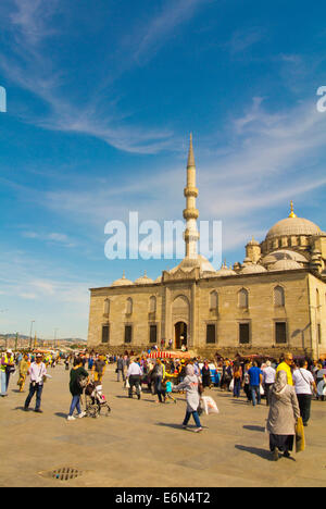Eminönu Meydan square, in front of Yeni Cami mosque, Fatih district, Istanbul, Turkey, Europe - Stock Photo