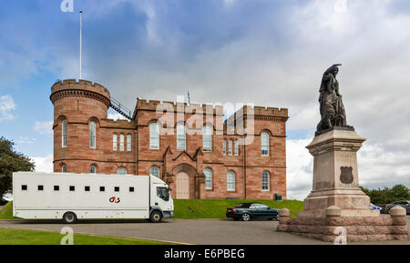 G4S PRISONER TRANSPORT VAN OUTSIDE THE LAW COURTS WITHIN INVERNESS CASTLE SCOTLAND - Stock Photo