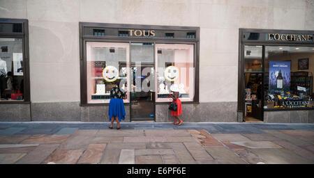 Tous jewelry store, New York, USA Stock Photo: 49811297 ...