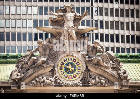 Clock and Hercules, Mercury and Minerva sculptures, Grand Central Terminal Railway Station, New York City, New York, - Stock Photo