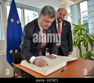 Brussels, Belgium. 30th Aug, 2014. Ukrainian president Petro Poroshenko (L) and European Parliament president Martin Schulz meet for talks. Credit:  Mykola Lazarenko/ITAR-TASS/Alamy Live News Stock Photo