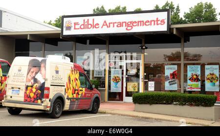 ANN ARBOR, MI - AUGUST 24: Edible Arrangements east Ann Arbor store is shown on August 24, 2014.
