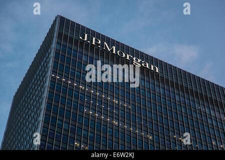 25 Bank Street, Canary Wharf, East London E14, United Kingdom - Stock Photo