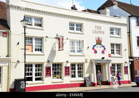 16th century The Crown Hotel, High Street, Emsworth, Hampshire, England, United Kingdom - Stock Photo