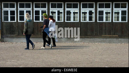 (140901) -- FRANKFURT (GERMANY), Sept. 1, 2014 (Xinhua) -- Visitors walk past the barracks at the site of former - Stock Photo