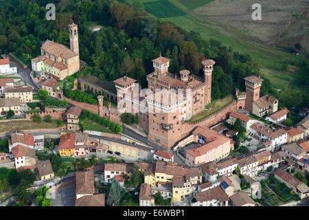 château de torrechiara en italie