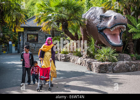 The life sized dinosaurs at The National Showcaves Centre for Wales, Abercrave, Swansea. - Stock Photo
