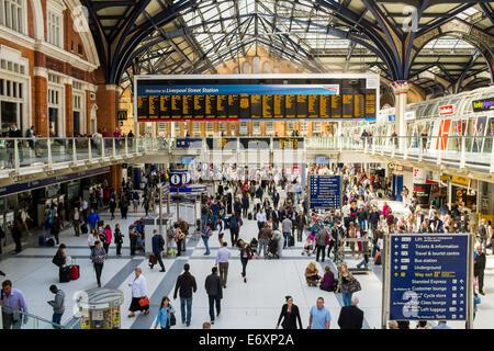 Rail station concourse,  London, UK - Stock Photo