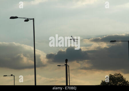 London,UK. 2nd September, 2014.Commercial airplanes during  sunset at Heathrow airport Credit:  amer ghazzal/Alamy - Stock Photo