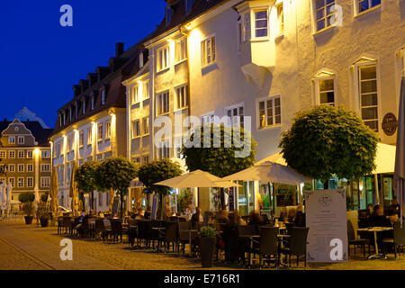 Germany, Bavaria, Swabia, Allgaeu, Kempten, Town hall square and pavement restaurant in the evening - Stock Photo