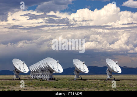The VLA - Very Large Array - Radio Telescope in Socorro, New Mexico An astronomical interferometer is an array of - Stock Photo