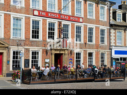 The Kings Head Hotel, in the Market Square, Richmond, North yorkshire, England UK - Stock Photo