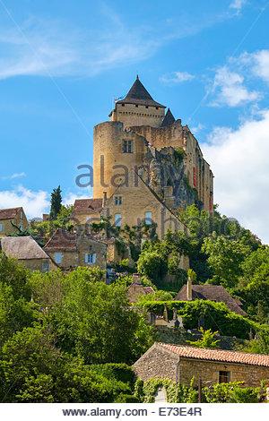 Chateau de Castelnaud castle and village, Castelnaud-la-Chapelle, Dordogne Department, Aquitaine, France - Stock Photo