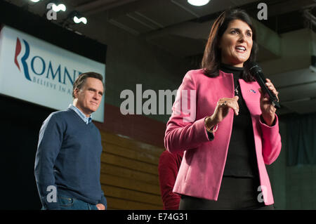 South Carolina governor Nikki Haley holds a campaign rally with Mitt Romney in Derry, NH. 01/07/2014 - Stock Photo