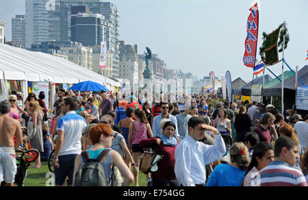 Brighton, Sussex, UK. 7th Sep, 2014. Crowds enjoy the weather at the Brighton and Hove Autumn Food and Drink Festival - Stock Photo
