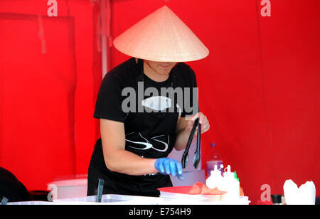 Brighton, Sussex, UK. 7th Sep, 2014. Vietnamese street food stall is busy  at the Brighton and Hove Autumn Food - Stock Photo