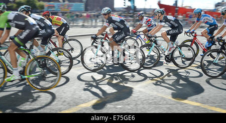 Liverpool, UK. 7th September, 2014. Cyclists taking part in Stage 1 of the Tour Of Britain in Liverpool cycle down - Stock Photo
